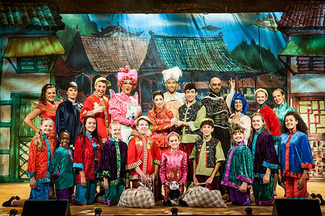 Cast of Aladdin 2015